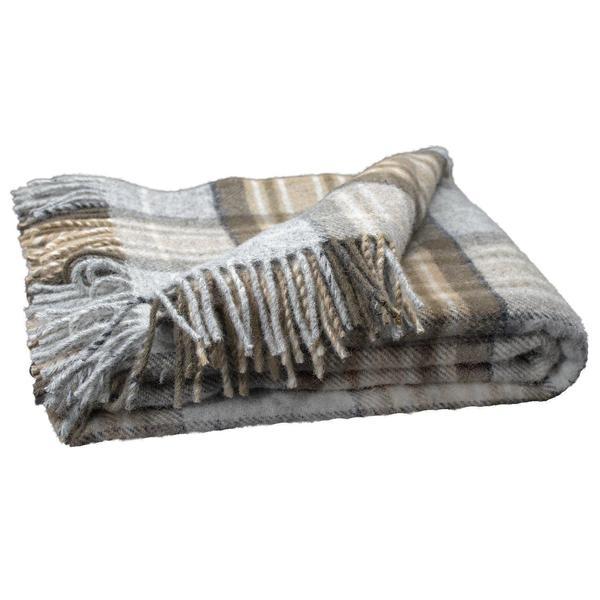 Tartan tweed winter fringe closeup